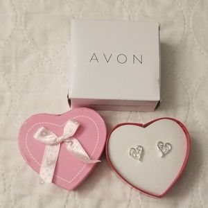 AVON Open your Heart Pireced Earrings